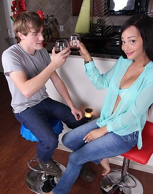 Ladyboy in Jeans Pictures